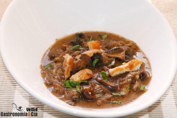 Curry de pollo y setas